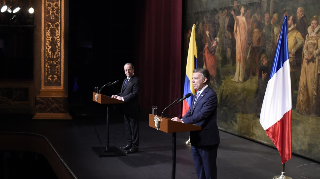 Los mandatarios coincidieron el lunes, durante la gala oficial de bienvenida del año Colombia-Francia, que la cultura es un factor de paz y reconciliación en los países que la ponen en práctica (AFP)