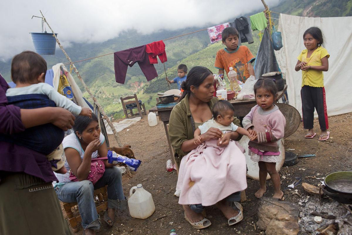 La pobreza afecta a 175 millones de personas en América Latina, al tiempo que aumentan los desplazados de sus zonas originarias