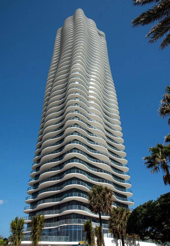 Uno de los edificios en Miami donde Muñoz habría adquirido un departamento