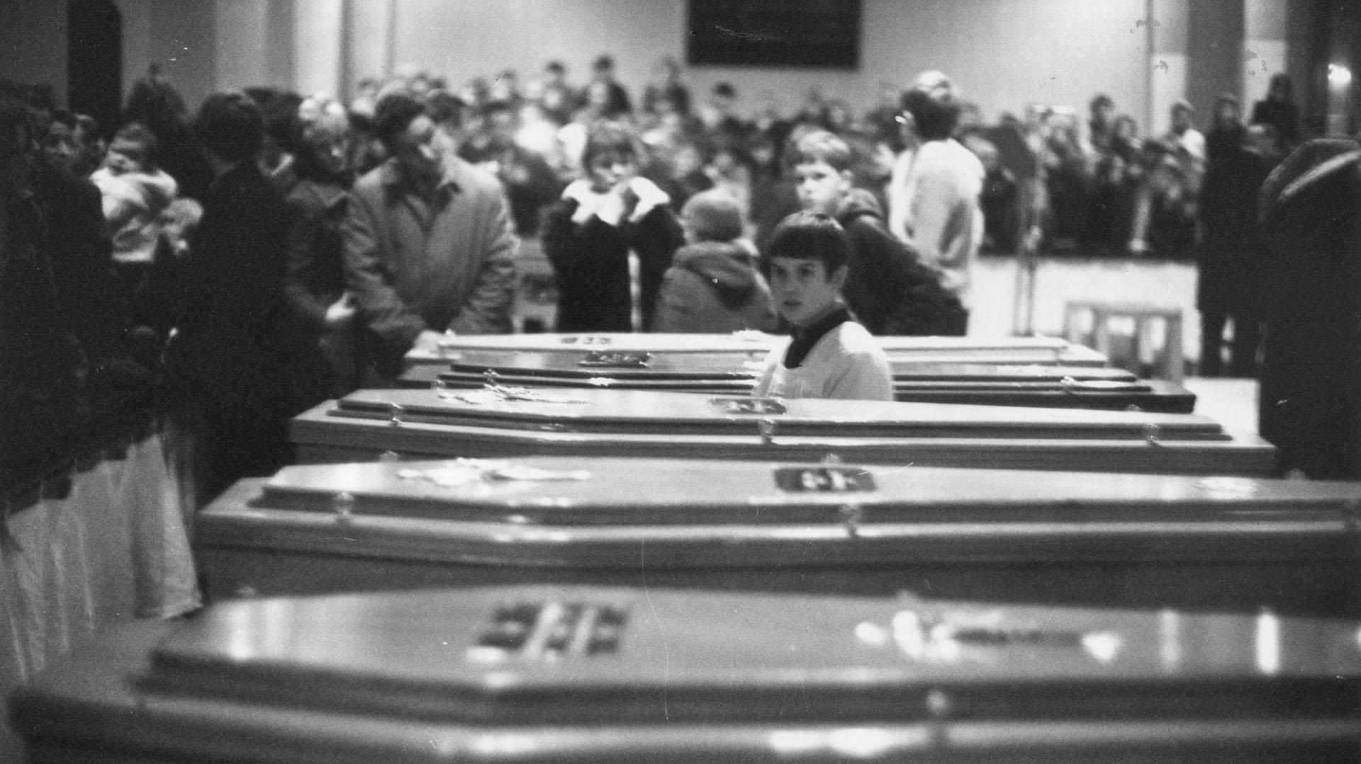 2 de febrero de 1972: funeral de los 13 civiles asesinados por la Brigada de Paracaidistas
