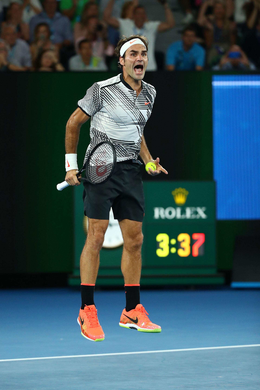 Roger Federer celebró el triunfo después de una jugada polémica, donde se pidió una repetición
