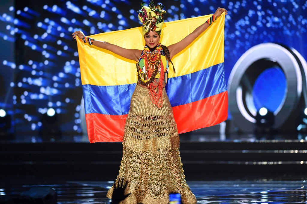 This photo taken on January 26, 2017 shows Miss Universe contestant Andrea Tovar of Colombia presents during the national costume and preliminary competition of the Miss Universe pageant at the Mall of Asia arena in Manila. / AFP PHOTO / TED ALJIBE