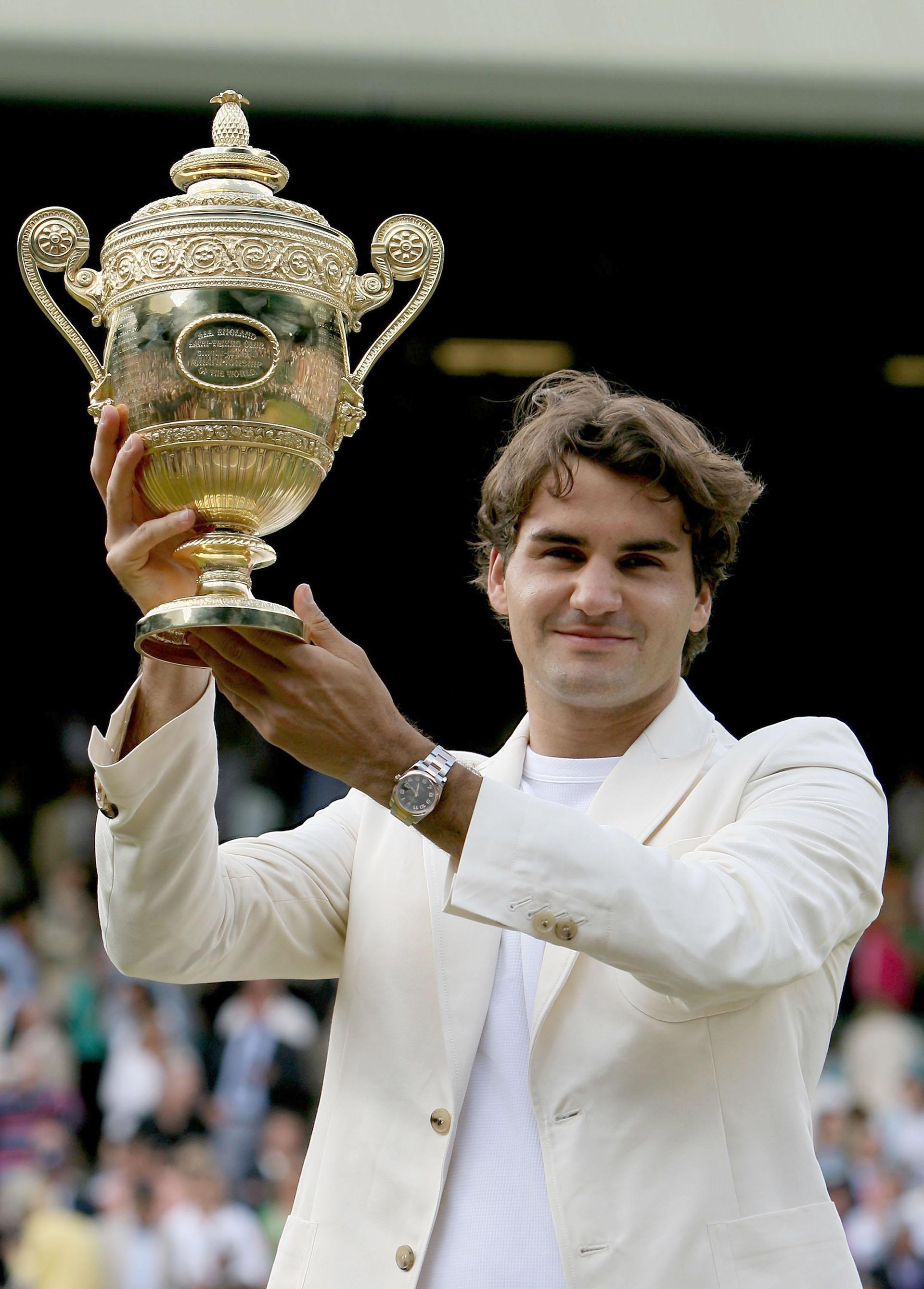 En 2006, el suizo empezaba a adueñarse del torneo más antiguo del tenis tras volver a quedárselo al vencer a Rafael Nadal por 6-0, 7-6 (5), 6-7 (2), 6-3