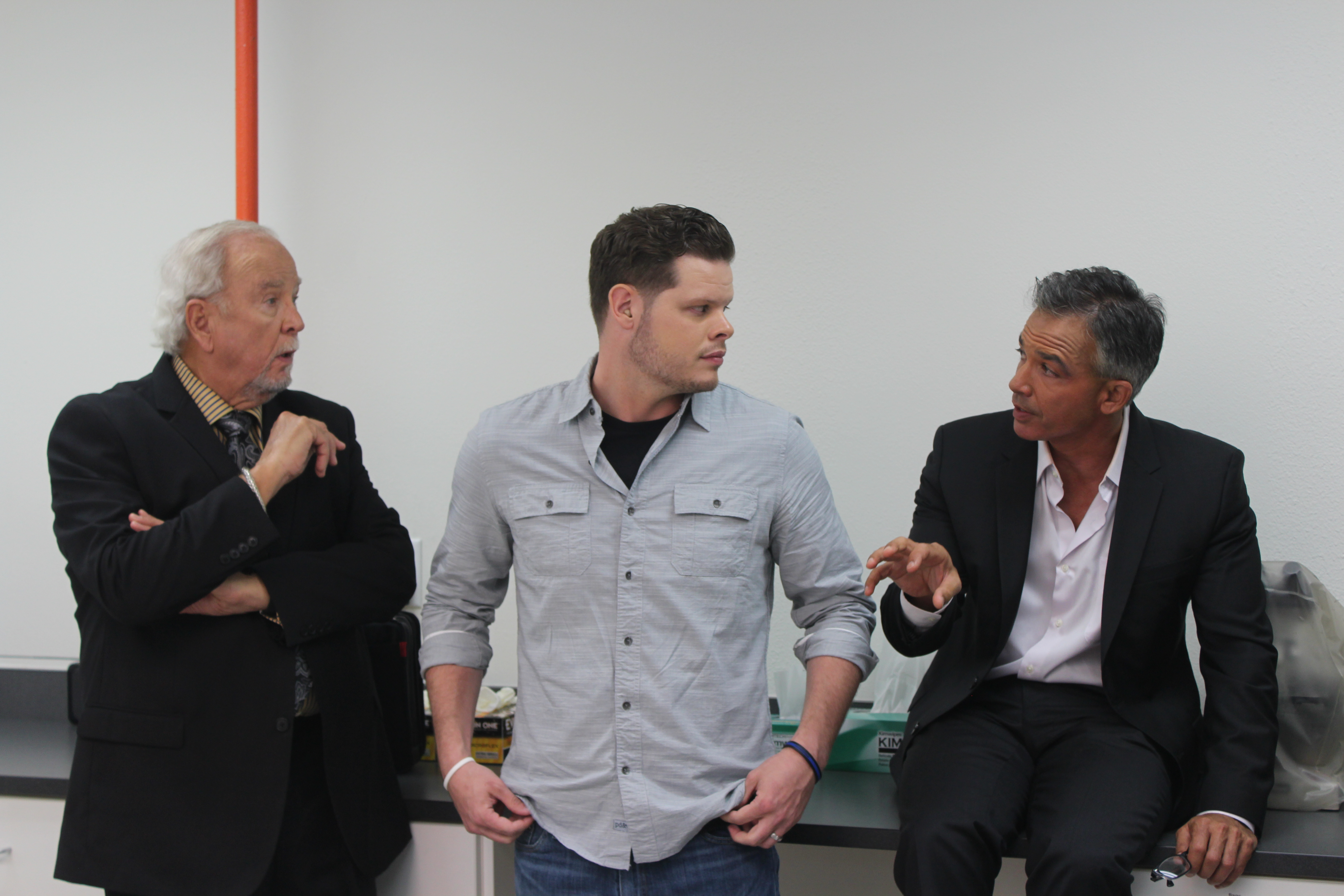 William Dear junto a Derrick Levasseur y Chris Mohandie.