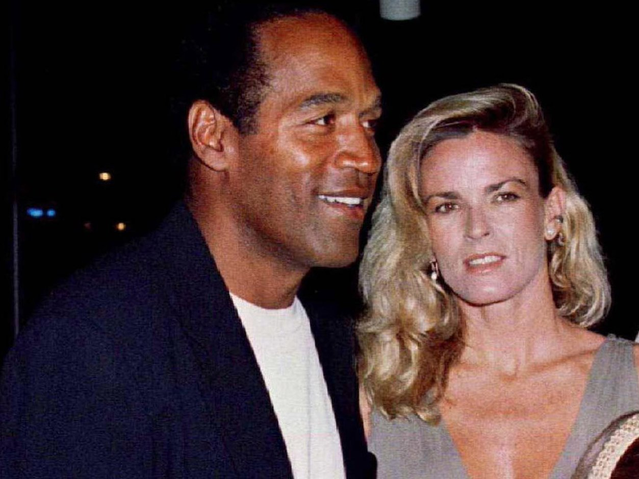 Nicole y O.J. Simpson, antes del divorcio. Él fue exonerado en el tribunal penal, pero no en el civil, por su asesinato
