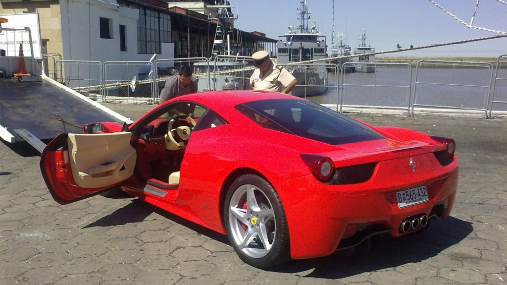 Ferrari, Lamborghini, Rolls Royce o Maserati son algunas de las marcas más vistas en el Este