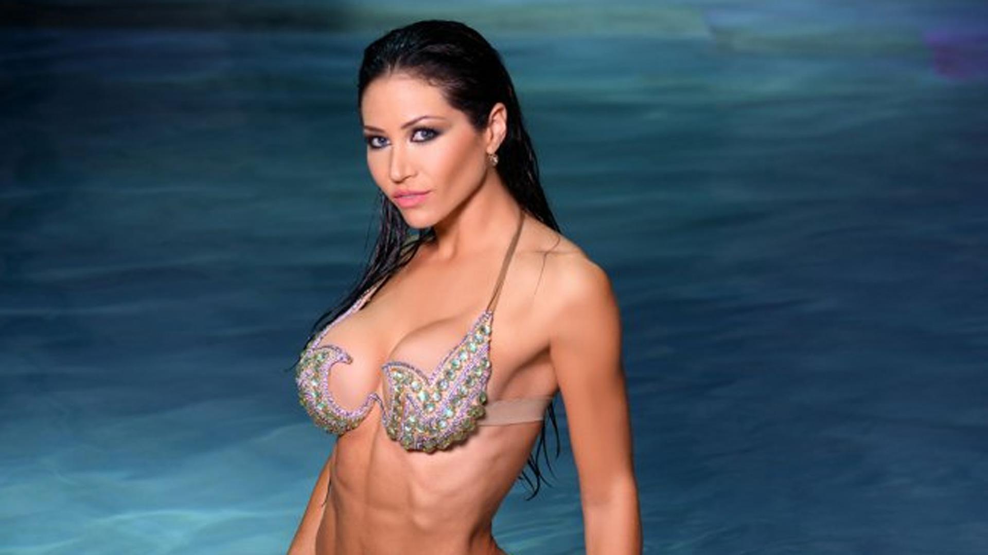Fotos Desnudas De Lourdes Sanchez adabel guerrero nadó desnuda, derrochó sensualidad ¿y le