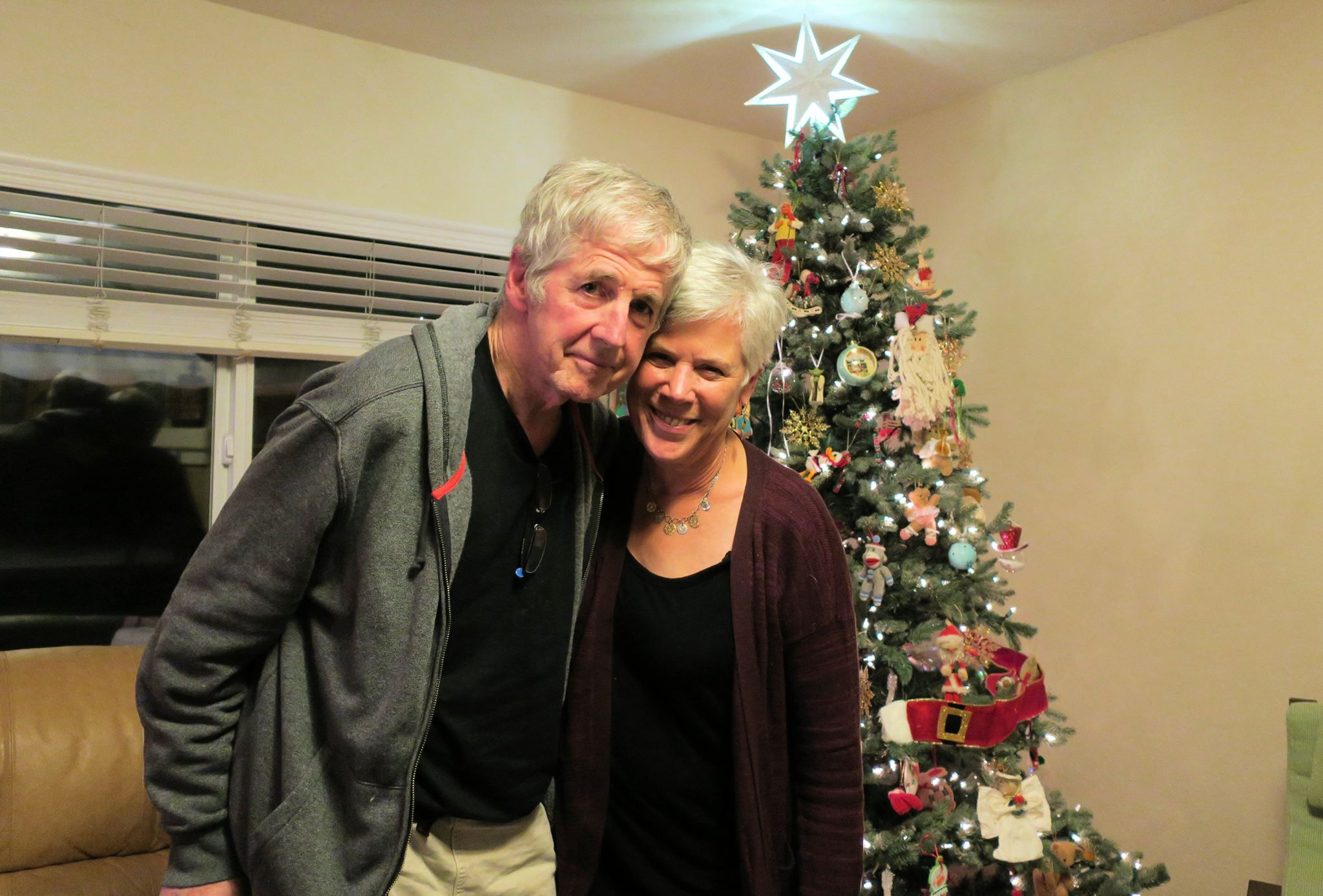 Larry Smith y su esposa Betty, quien lo acompaña a todos lados y lo apoya constantemente