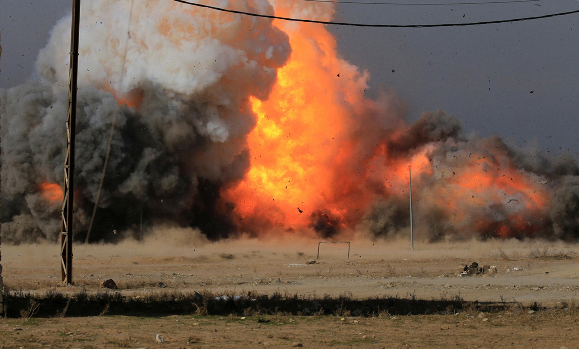 La explosión de un coche bomba en Mosul (Reuters)
