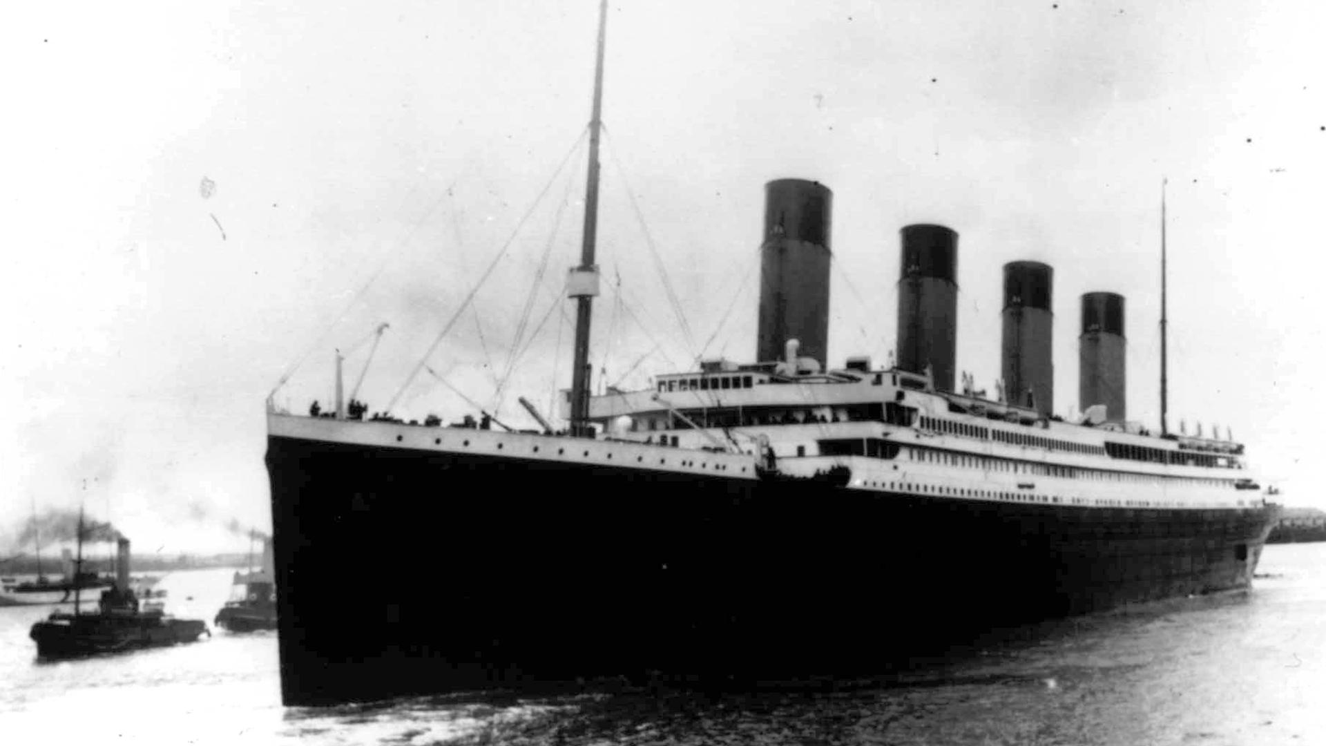 El Titanic saliendo del puerto de Southampton el 10 de abril de 1912(AP Archivo)