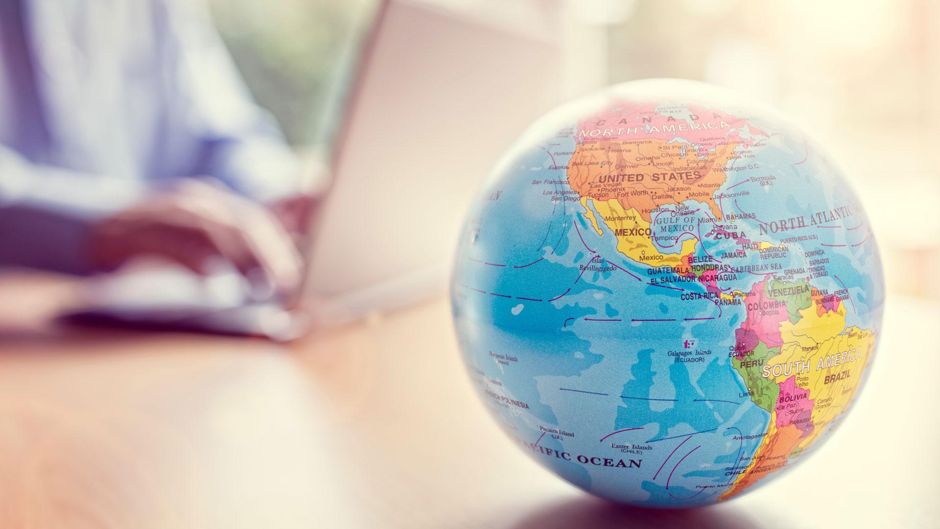 El 72% de los internautas que preparan un viaje termina comprando por internet y contratando servicios relacionados con sus viajes por la web (istock)