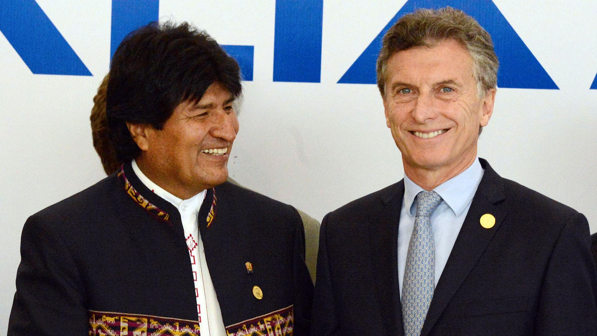 Los presidentes de Argentina y Bolivia, Mauricio Macri y Evo Morales. (NA)