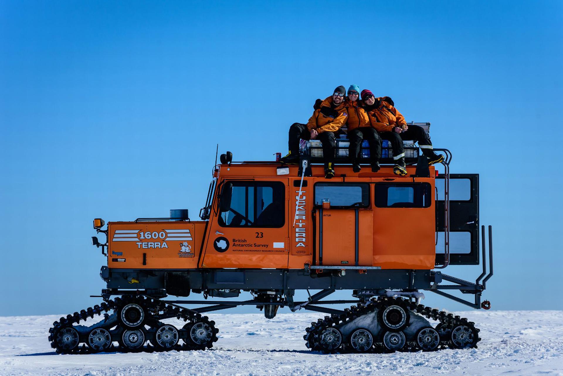 Michal Krzysztofowicz pasó un año trabajando en la Antártida, en la Estación de Investigación Halley VI. Registró cada día con su cámara fotográfica