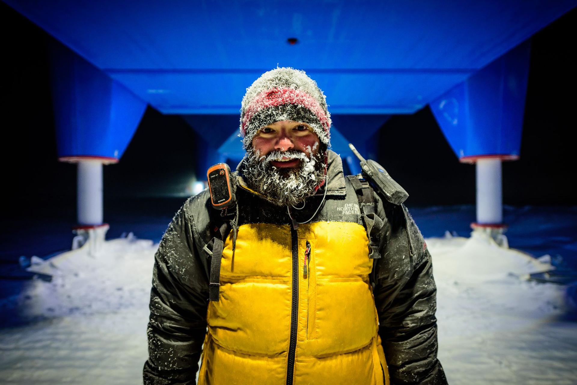 Michal Krzysztofowicz con la barba congelada. Las temperaturas pueden llegar a -56° C