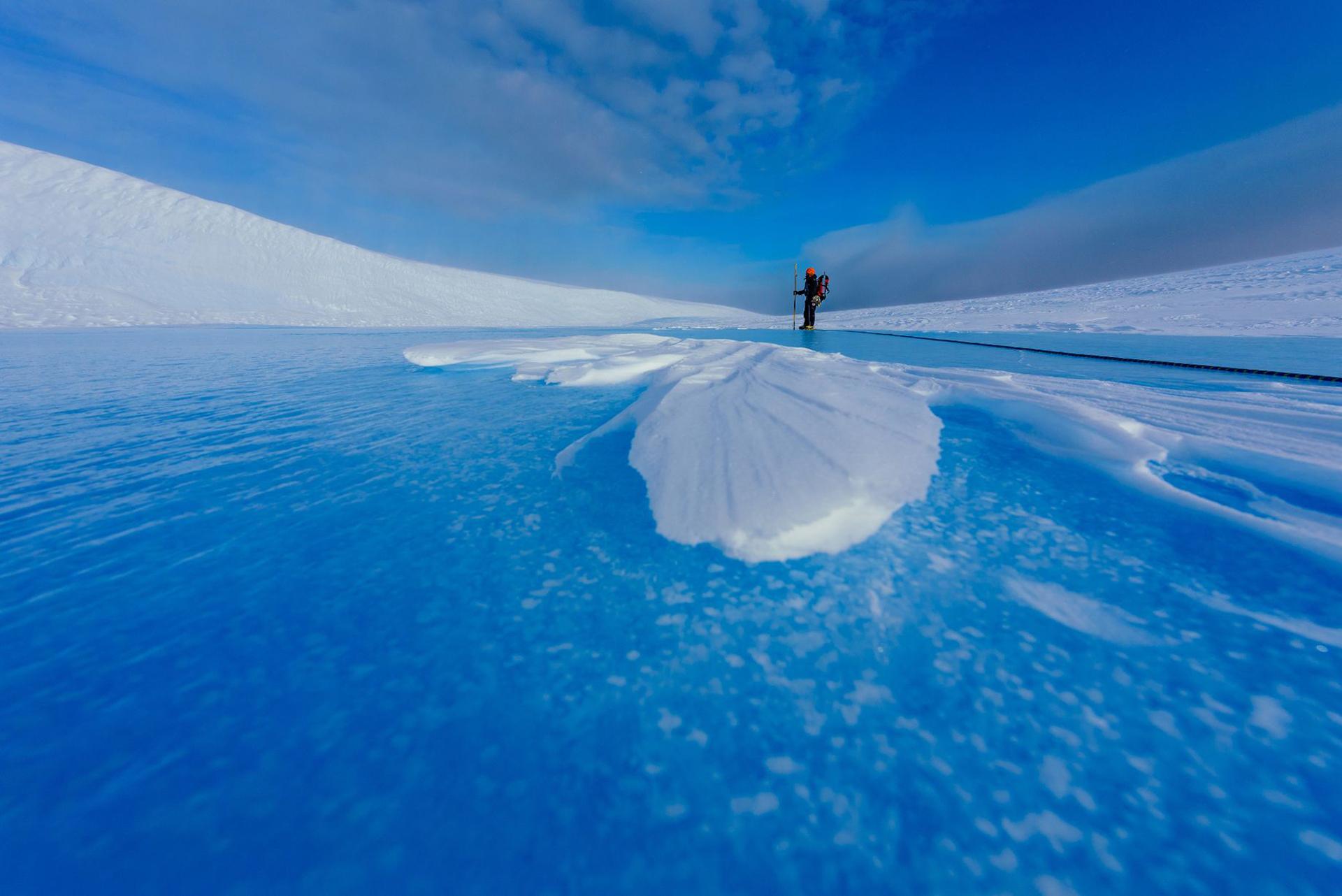 Hielo y frío, la constante en la naturaleza que le ofrecía la Antártida a Krzysztofowicz