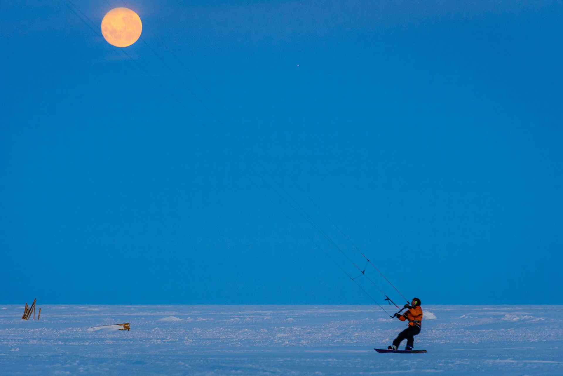 Kite-skiing, el deporte más popular en la Antártida… ¡y uno de los pocos que pueden practicarse!