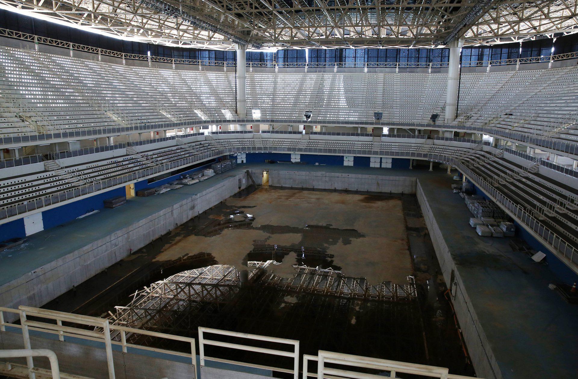 El Estadio Olímpico Acuático también dejó su reflejo del abandono (Reuters)