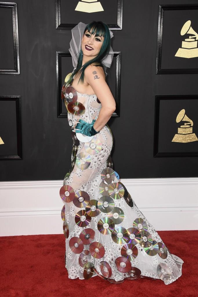 La compositora Jacqueline Van Bierk llamó la atención con un vestido tapado de CDs(Frazer Harrison/Getty Images)