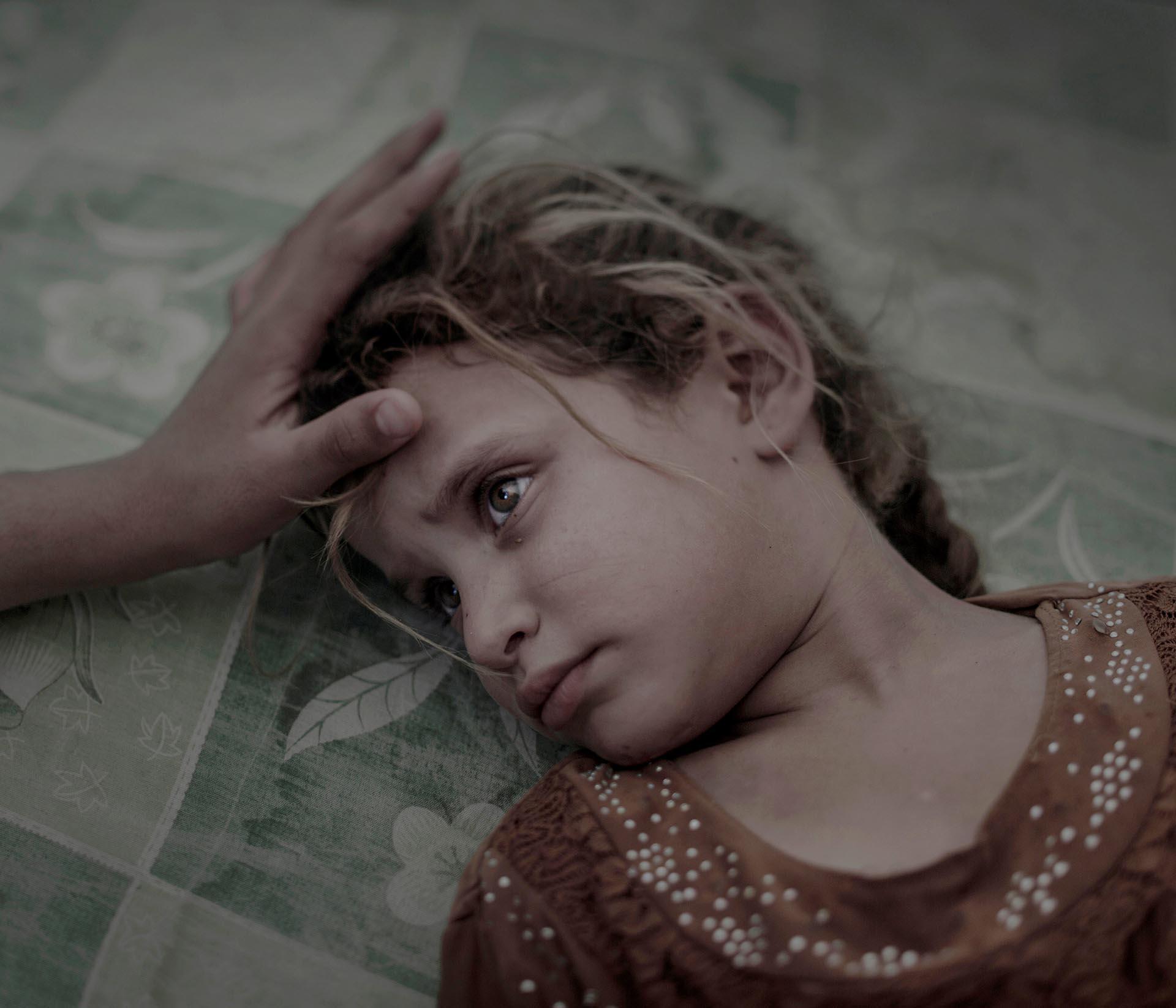 Gente, primer premio. La pequeña Maha, de 5 años, y su familia huyen del Estado islámico en Irak. Magnus Wennman, Aftonbladet/REUTERS