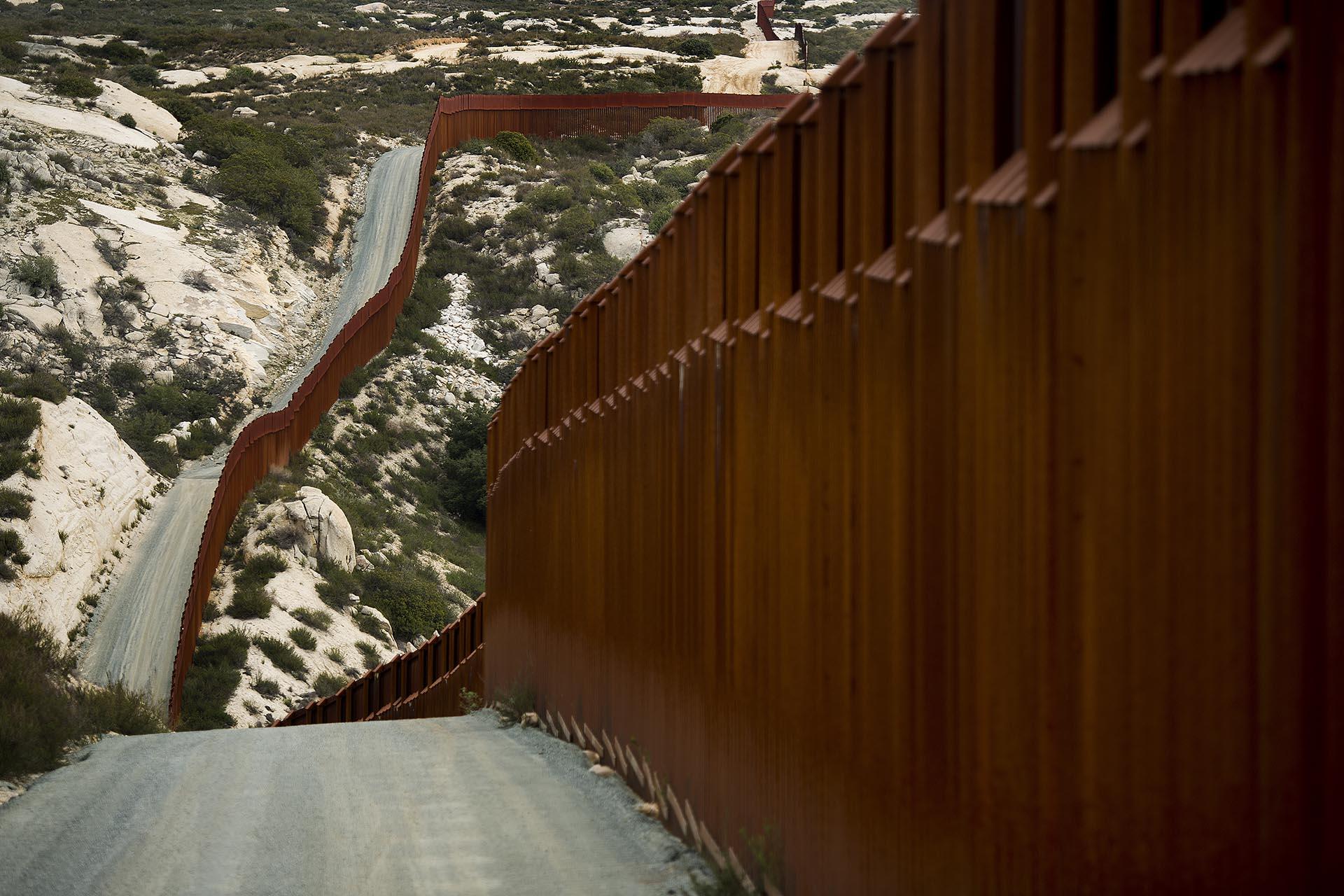 El muro entre México y Estados Unidos (Foto: AFP)