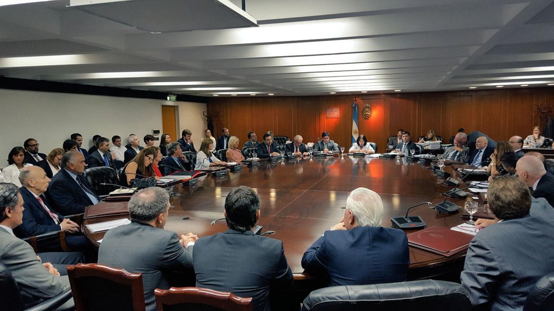 Para evitar jury, Rafecas justificó la desestimación de la denuncia de Nisman