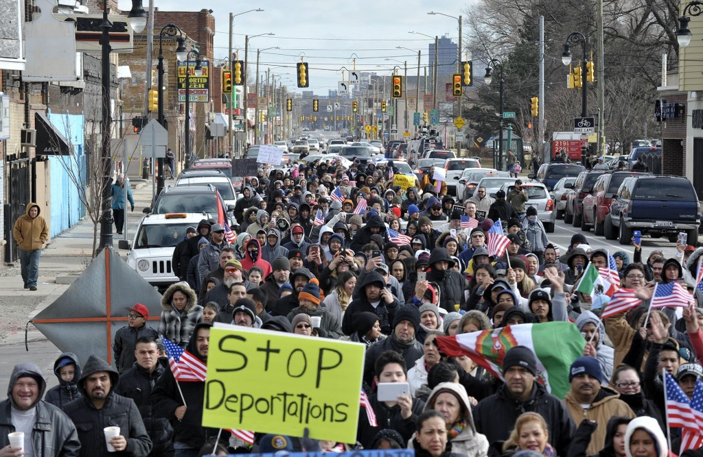 Centenares de personas se manifestaron en Detroit