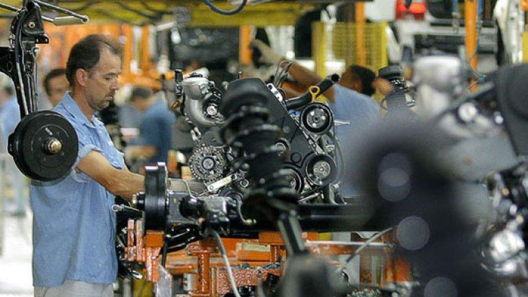 La industria automotriz argentina importa USD 19.000 por cada unidad construida en el país.