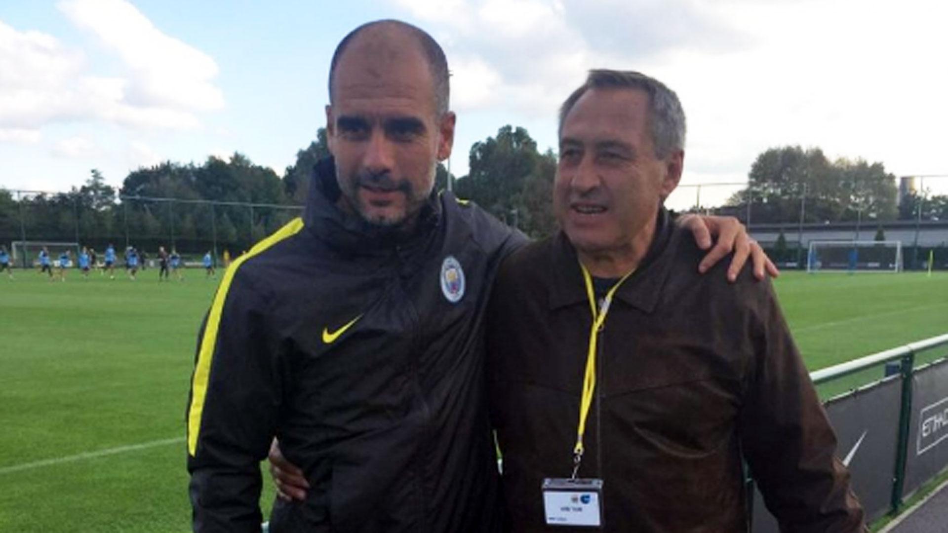 Con Pep Guardiola: su nieto, Benjamín, está en el Manchester City