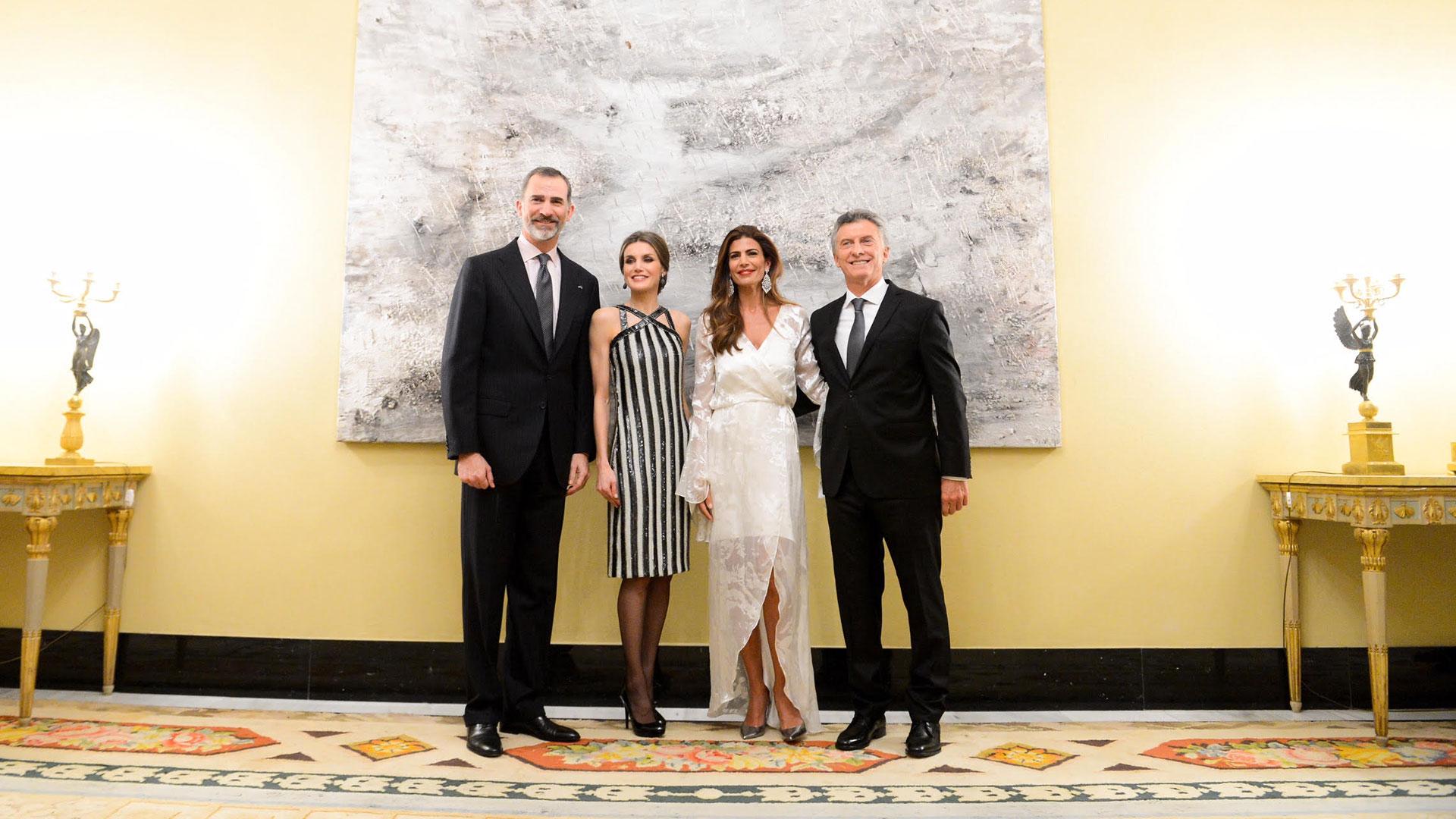 Los Reyes de España volverán a reencontrarse con el matrimonio presidencial argentino en el marco de la visita de Estado a la Argentina, que incluye el Congreso de la Lengua en Córdoba.