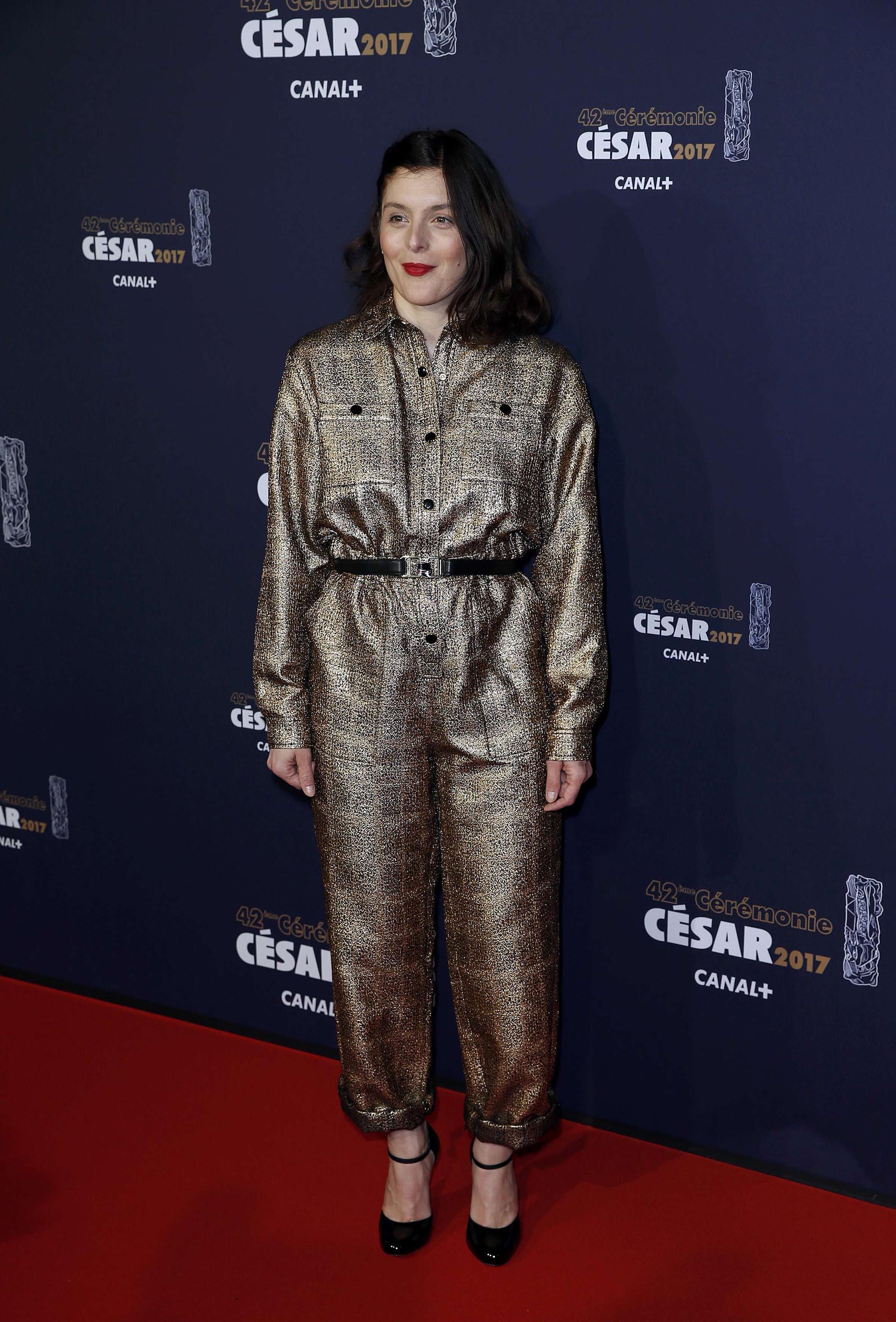 Valerie Donzelli también eligió un diseño en tela metalizada