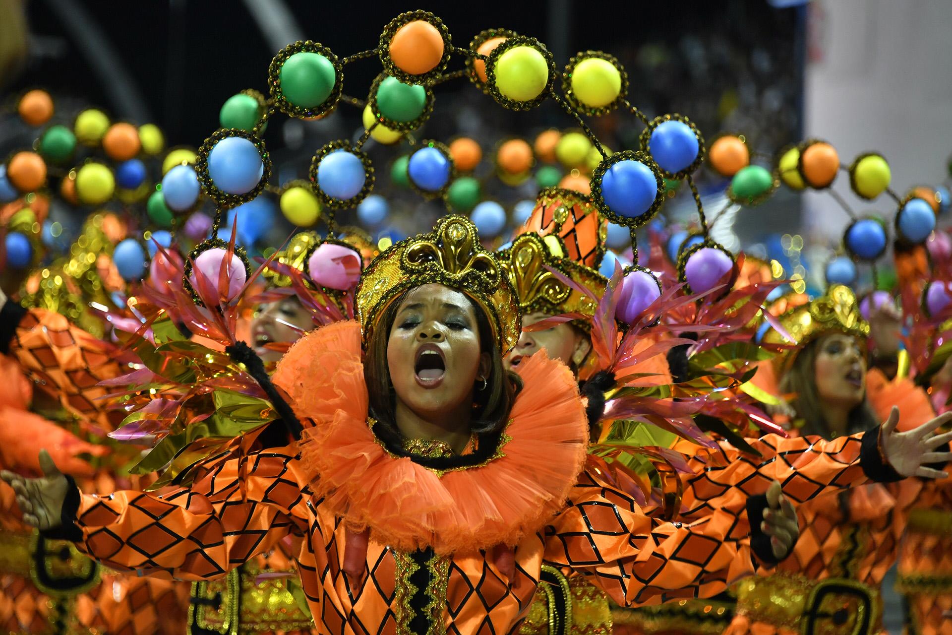 Carnavales de Brasil protestan contra Gobierno de Michel Temer