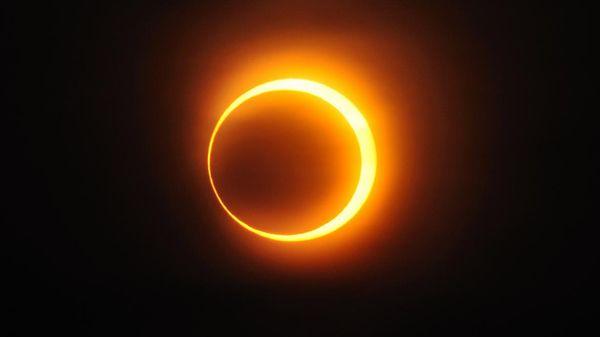 El 21 de agosto de 2017, un eclipse solar total será visible en los Estados Unidos a lo largo de una trayectoria que se extiende de costa a costa