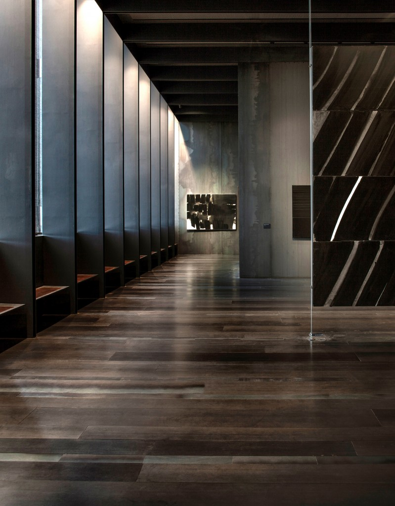 Museo Soulages, en Rodez, Francia, en el que juegan con una relación entre los espacios y las pinturas