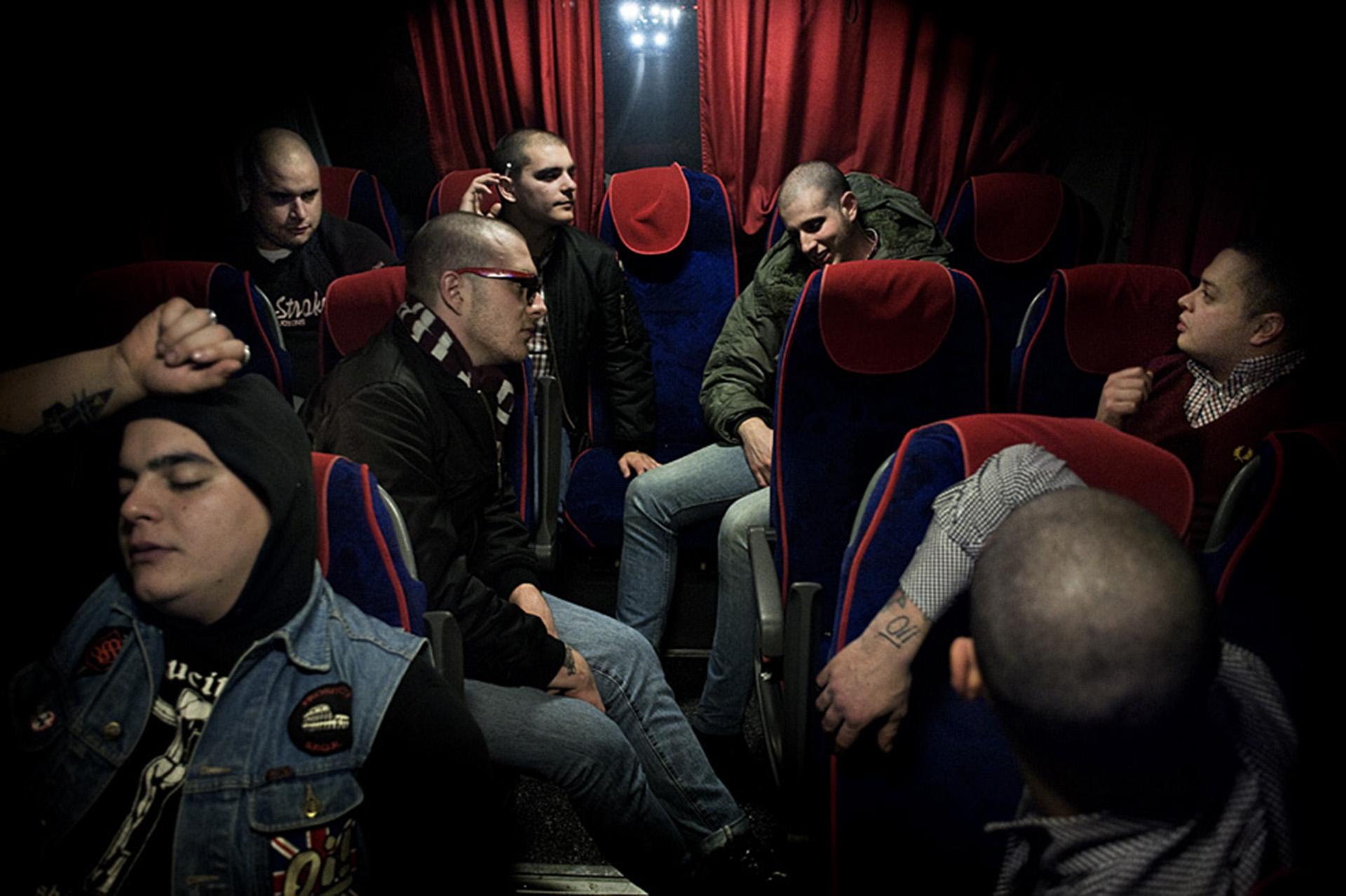 Roma Skin-Head viajan a un concierto en el sur de Italia