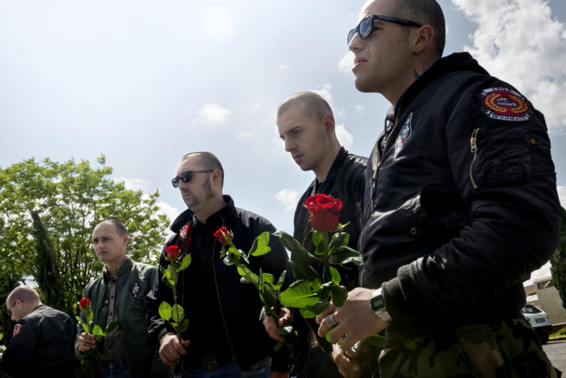 Skinheads en el sepelio de un camarada en Italia