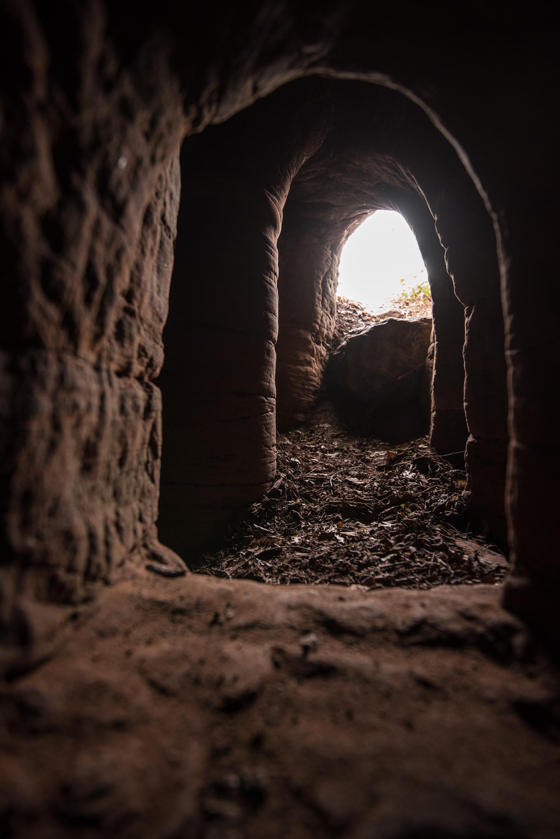 La entrada de la caverna donde los templarios rendían culto a Dios (Michael Scott/Caters News/The Grosby Group)