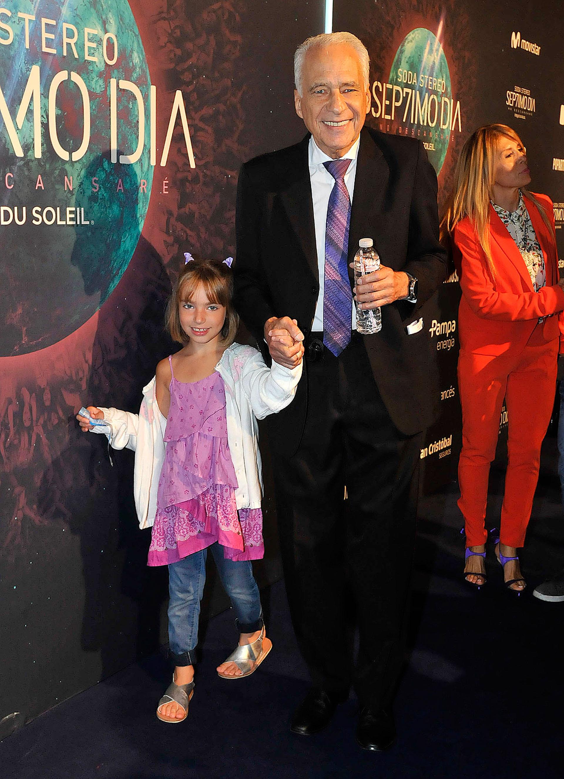El doctor Alberto Cormillot y su nieta