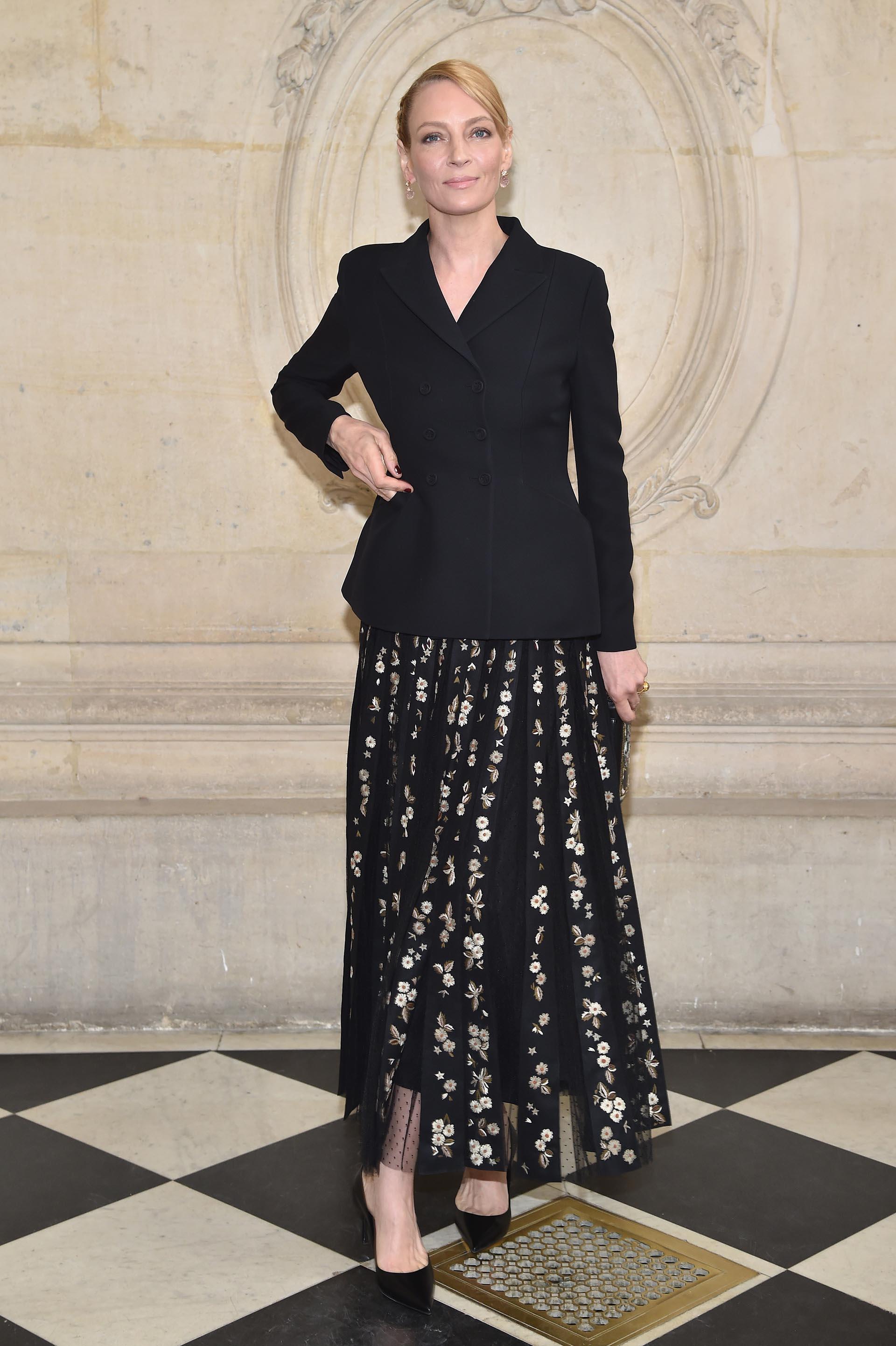 Uma Thurman lució una fabulosa falda con transparencias y bordados oro