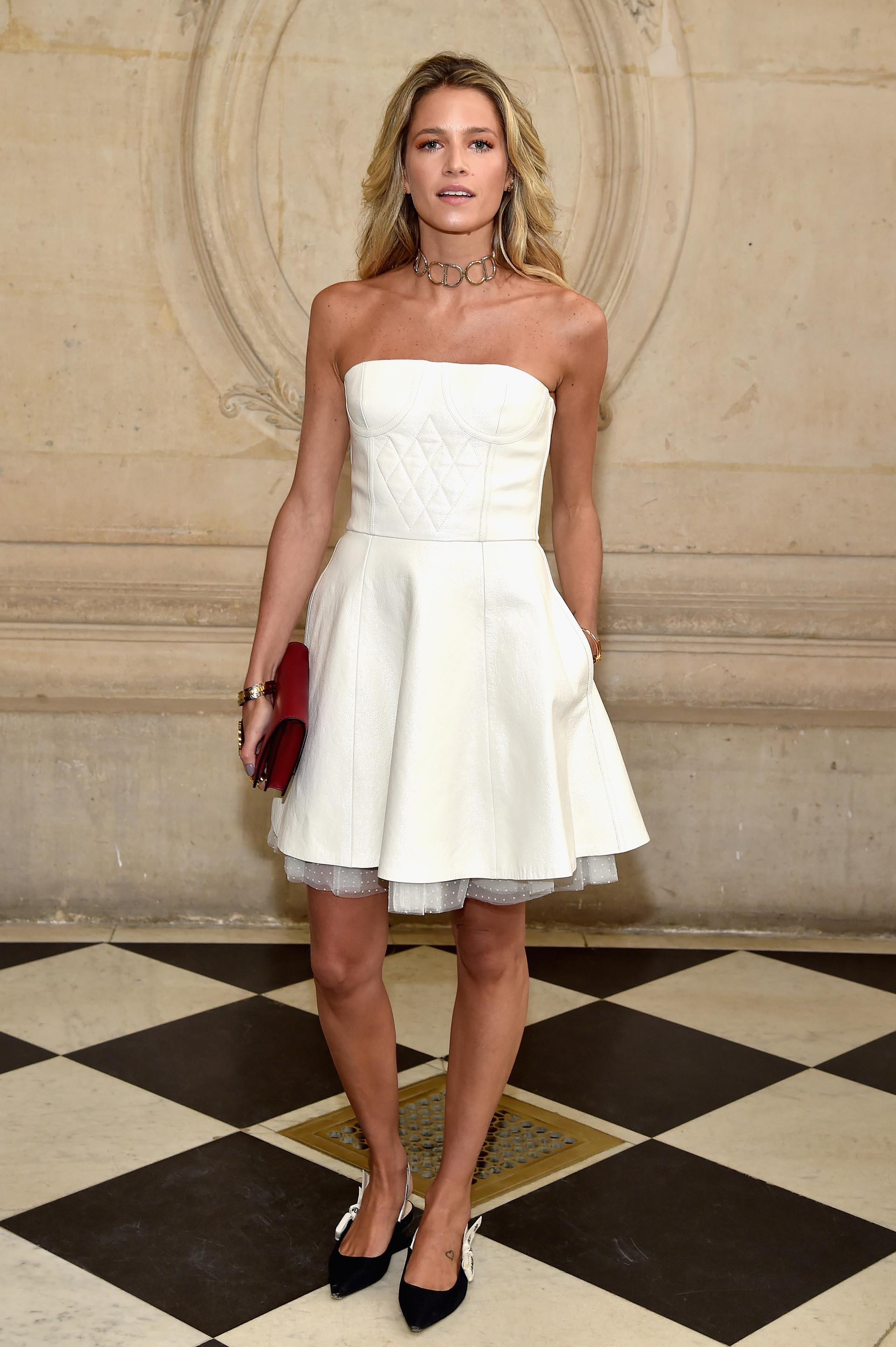 Helena Bordon impactó con este vestido blanco strapless
