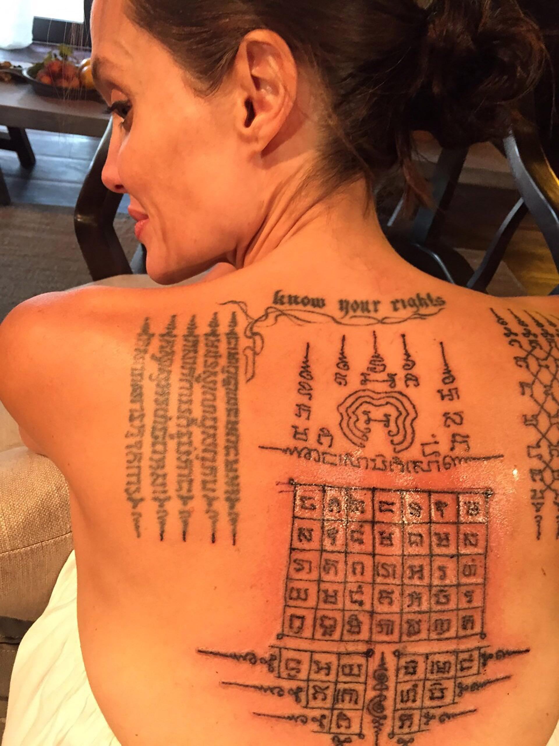 tatuajes tailandeses de angelina jolie