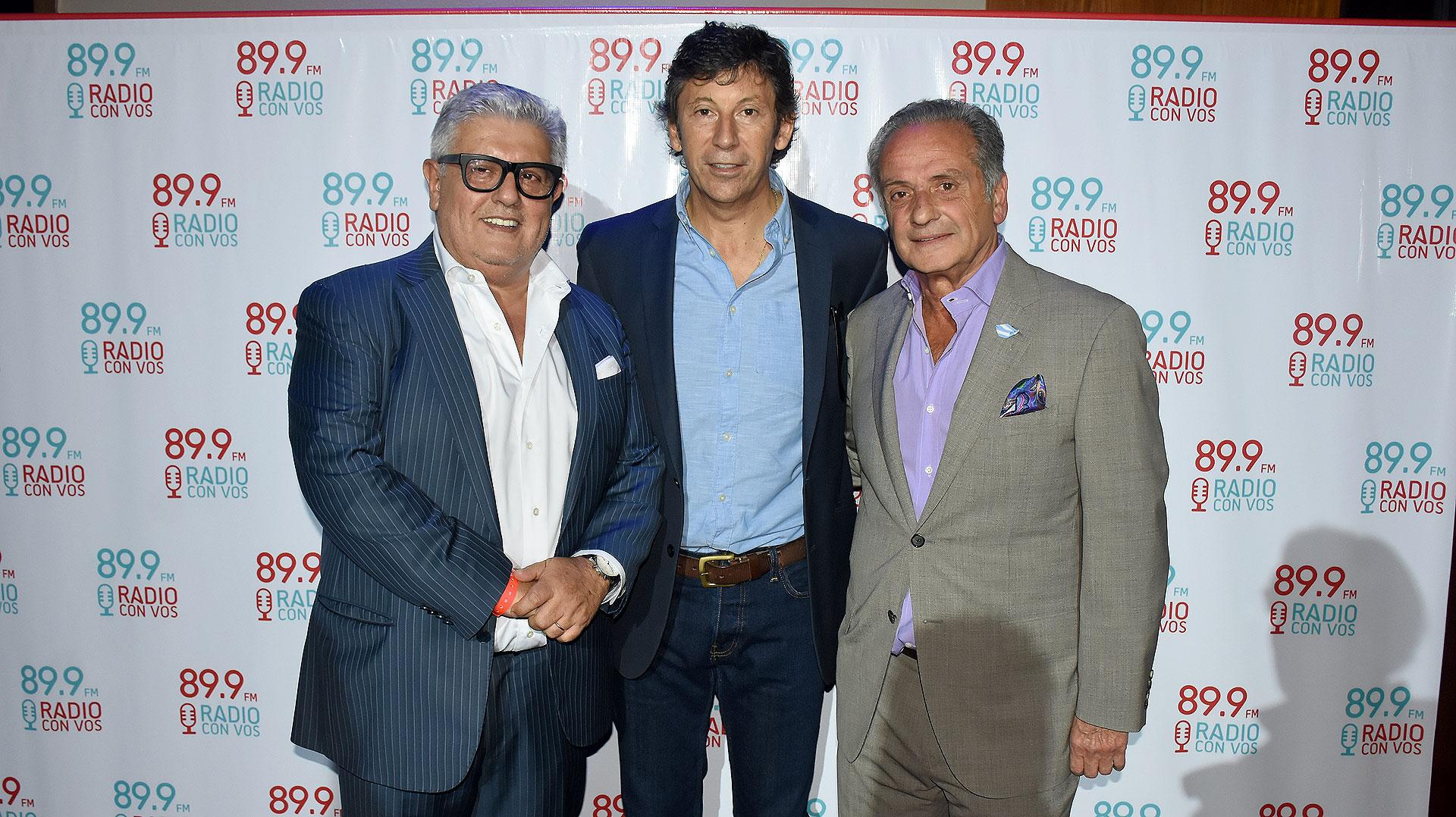 Carlos Gorosito y Beto Vijnovsky junto a Gustavo Posse, intendente de San Isidro