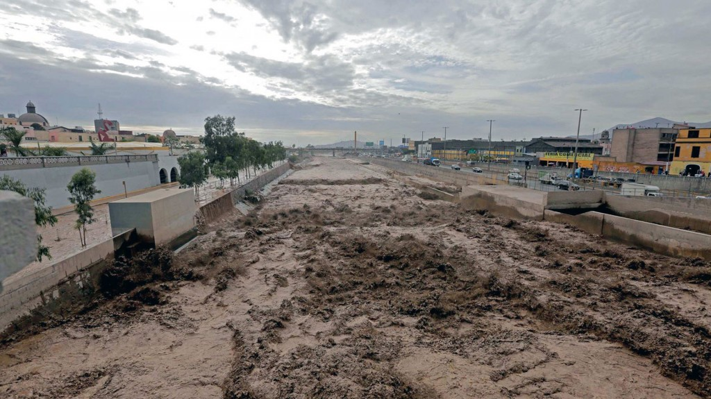 Aumentan a 62 los muertos por el desastre natural que enluta a