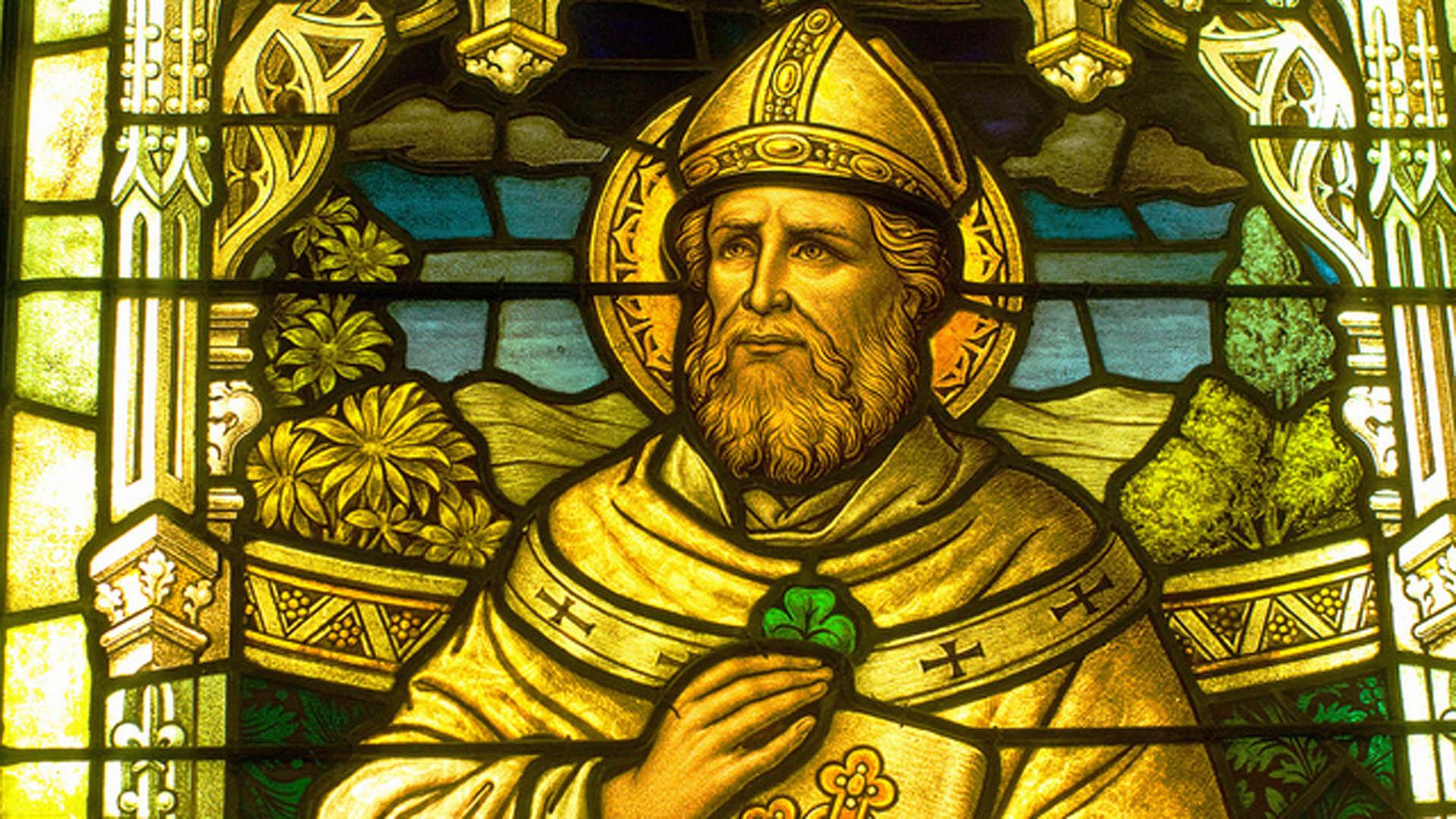 La imagen de San Patricio sacerdote que instaló el catolicismo en Irlanda