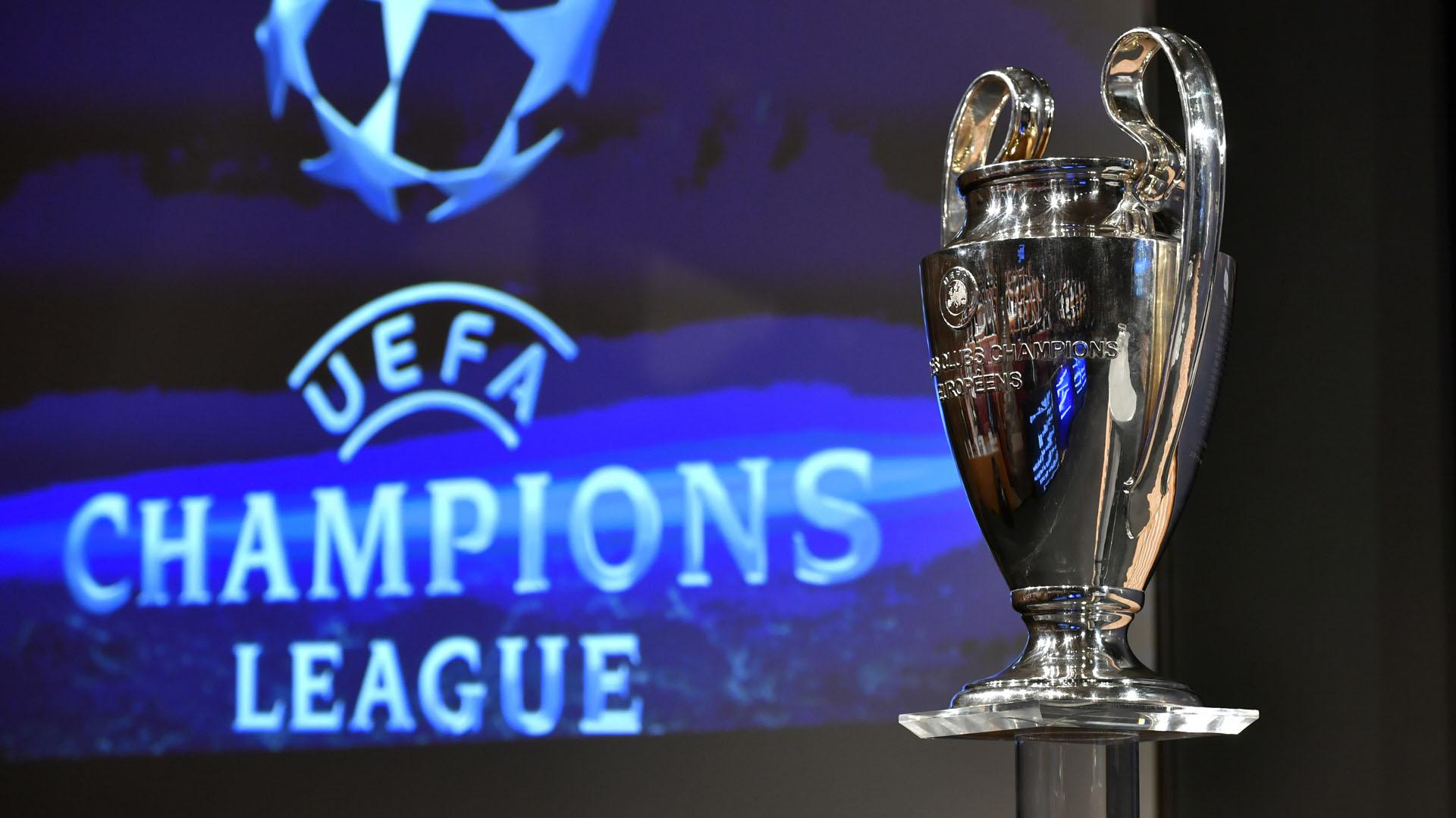 Se sortean los grupos de la uefa champions league 2018 for Sorteo champions cuartos 2017
