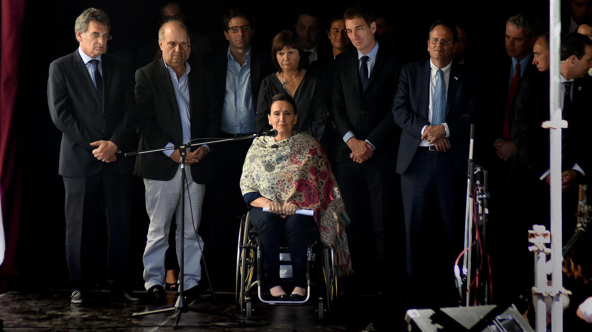 Claudio Avruj, Hernán Lombardi, Patricia Bullrich, Gabriela Michetti, Diego Santilli y el embajador de Israel, Ilán Sztulman