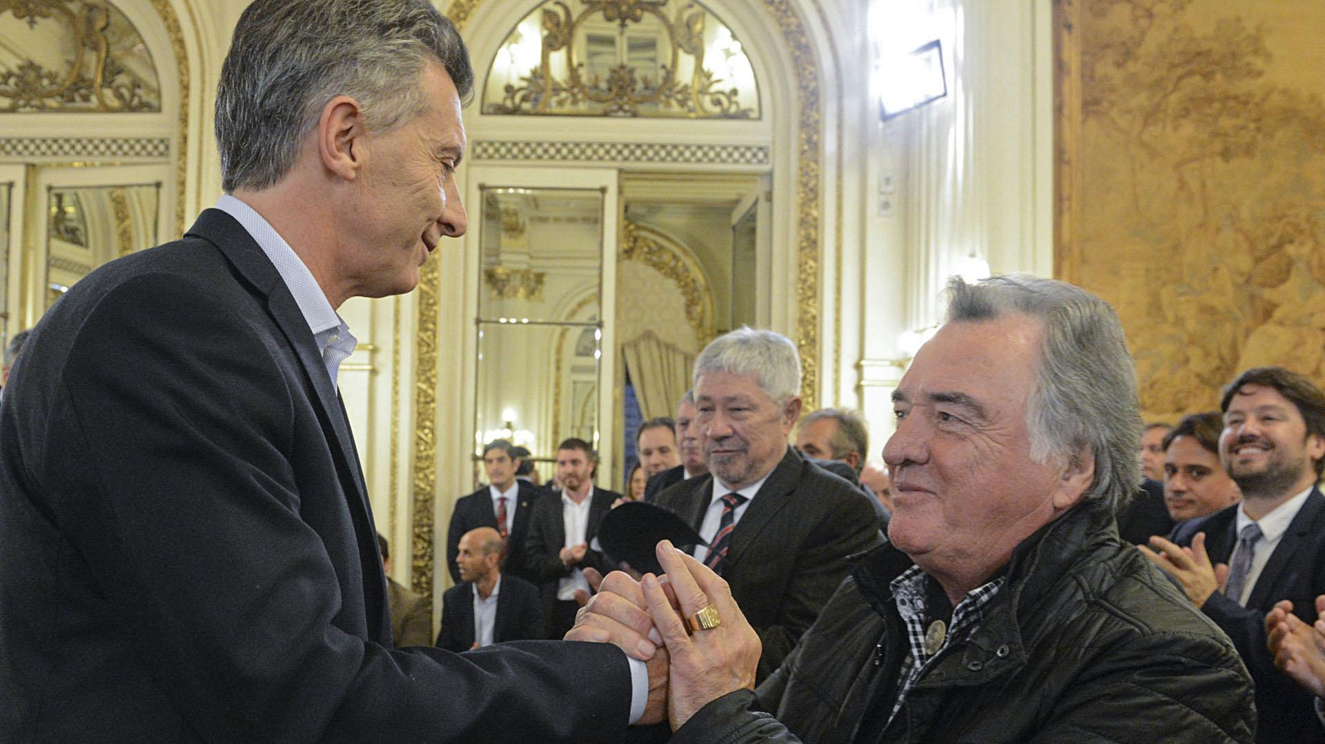 Mauricio Macri y Luis Barrionuevo (NA)