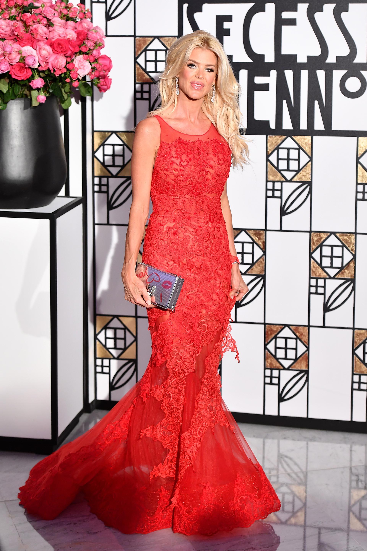 Un vestido de gala impactante para Victoria Silvstedt