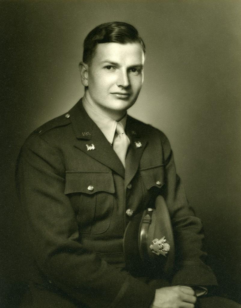 David Rockefeller sirvió en la Armada norteamericana en África del Norte durante la Segunda Guerra Mundial.