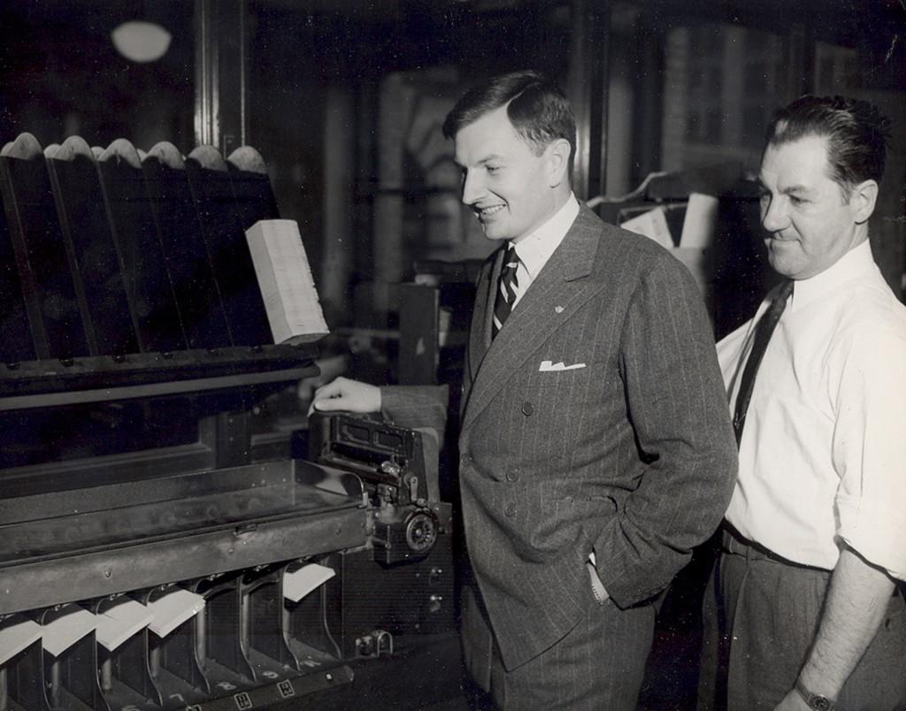 David Rockefeller se unió al Departamento de negocios exteriores del Chase Manhattan Banken 1946