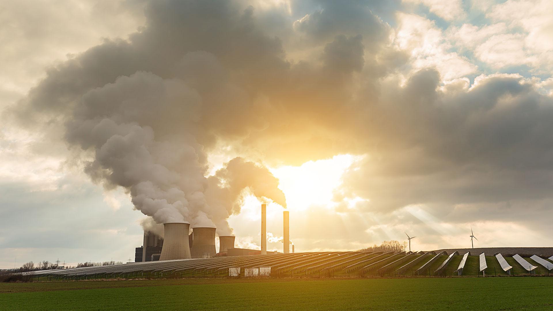 La contaminación repercute de manera directa en la barrera cutánea (Istock)